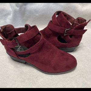 Baby Phat size 8M maroon (burgundy) ankle boots